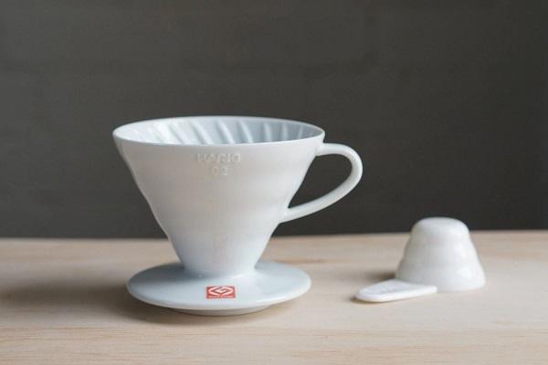 Voronka dlya coffee HarioV6 plastik