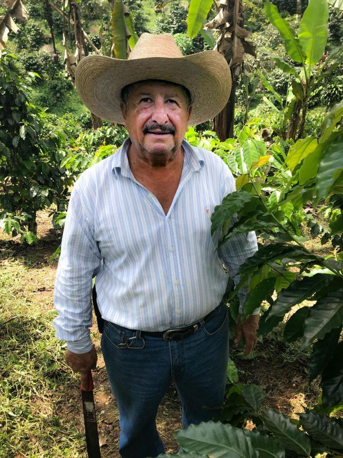 Фото: Кофейный фермер Хосе де Леон